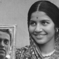 BHUVAN SHOME (Dir. Mrinal Sen, 1969, India) – 'Big Bad Bureaucrat Reformed by Rustic Belle'
